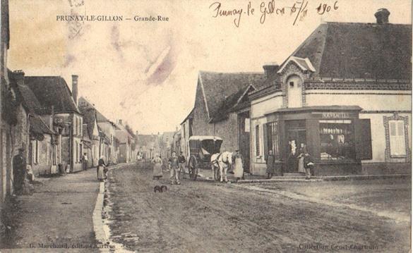 Devanture de l'épicerie GENET, à l'angle de la Grande Rue et de la Place du 14 juillet -1906