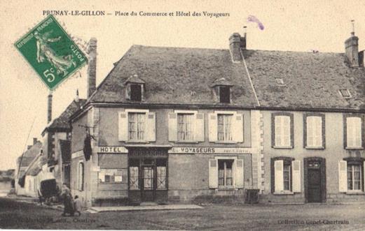 La Place - Hotel des des voyageurs